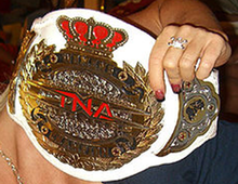 Description de l'image  TNA Women's Knockout Championship Belt.png.