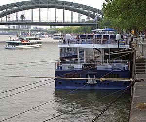 TUI Queen (ship, 2008) 004.jpg