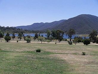 Talbingo, New South Wales - Overlooking the Talbingo golf course towards Jounama Dam (December 2005)