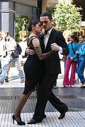 Dançarinos de tango em Buenos Aires
