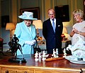 The-Queen-Antiques-Roadshow Hilary-Kay-1.jpg