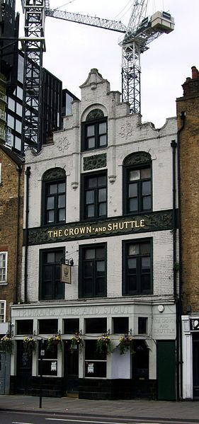 Shoreditch High Street: File:The Crown And Shuttle, Shoreditch High Street
