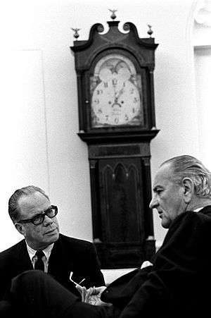 Thomas Kuchel - Kuchel with President Lyndon Johnson in the Oval Office in 1968.