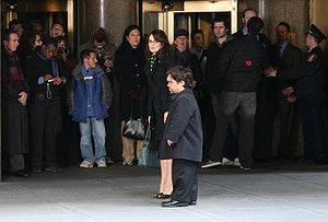 Señor Macho Solo - Tina Fey and Peter Dinklage filming scenes of this episode outside of Rockefeller Center.