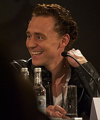 Hiddleston w kwietniu 2011