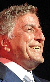 Tony Bennett in 2003 (cropped).jpg