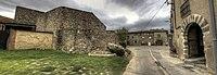 Torroella de Fluvià - Recinte fortificat de Vilacolum.jpg