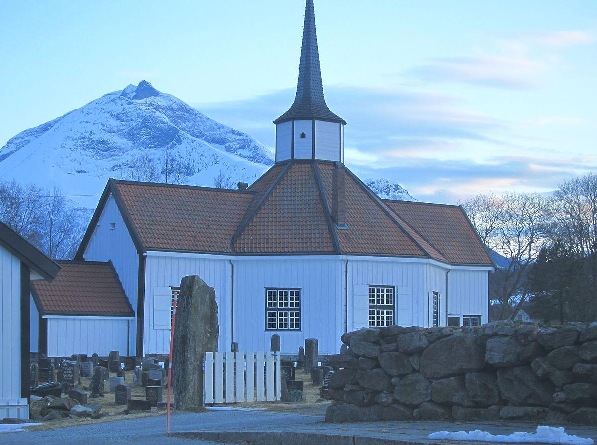 tresfjord church