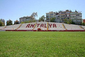 Antalya Atatürk Stadium - Image: Tribunelangezijde