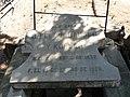 Tumba de Felipe Hauser y Kobler, cementerio civil de Madrid.jpg