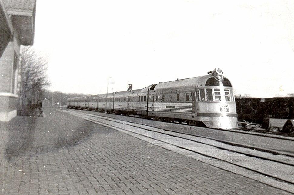Twin Cities Zephyr Oregon Illinois early 1940s