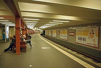 Berlin Alexanderplatz station - Image: U2 Alexanderplatz