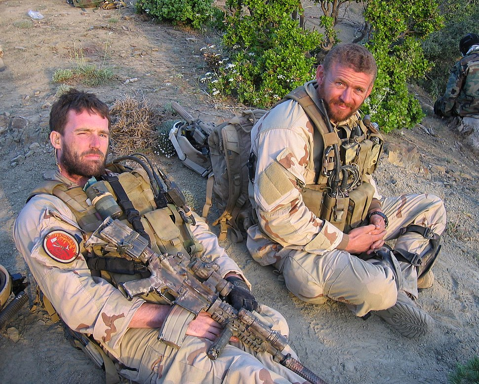 US Navy 050628-N-0000X-005 Navy file photo of SEAL Lt. Michael P. Murphy, from Patchogue, N.Y., and Sonar Technician (Surface) 2nd Class Matthew G. Axelson, of Cupertino, Calif., taken in Afghanistan.jpg
