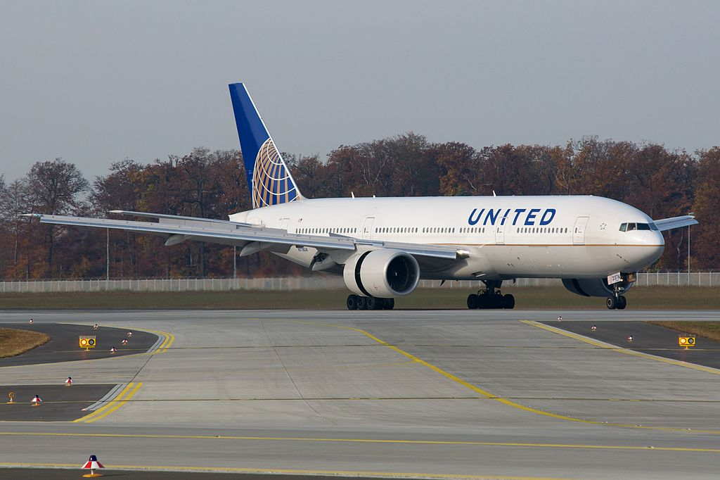 United airlines boeing 777 seating chart