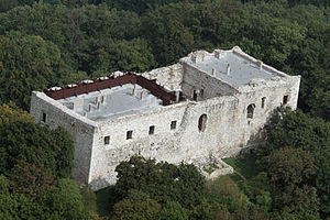 Vértes Hills - Image: Várgesztes Castle