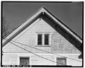 VIEW NORTH, SOUTH FRONT GABLE DETAIL - 104 Railroad Avenue (House), Alderson, Greenbrier County, WV HABS WVA,32-ALD,2-3.tif