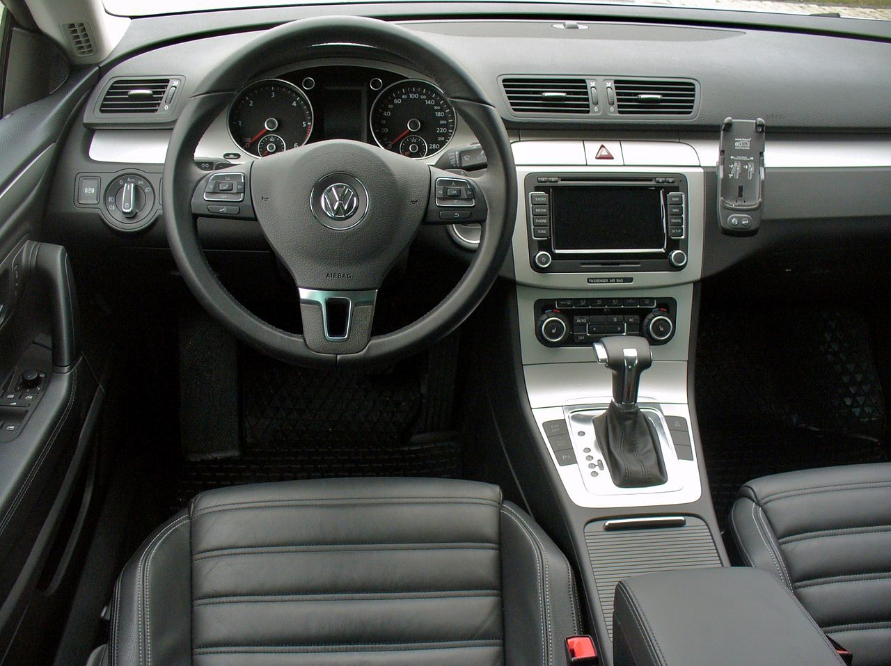 file vw passat cc 2 0 tdi dsg reflexsilber interieur jpg wikimedia commons. Black Bedroom Furniture Sets. Home Design Ideas
