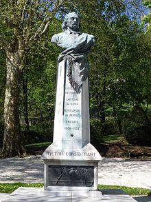 Monumento dedicado a Victor Considerant enSalins-les-Bains, su localidad natal.