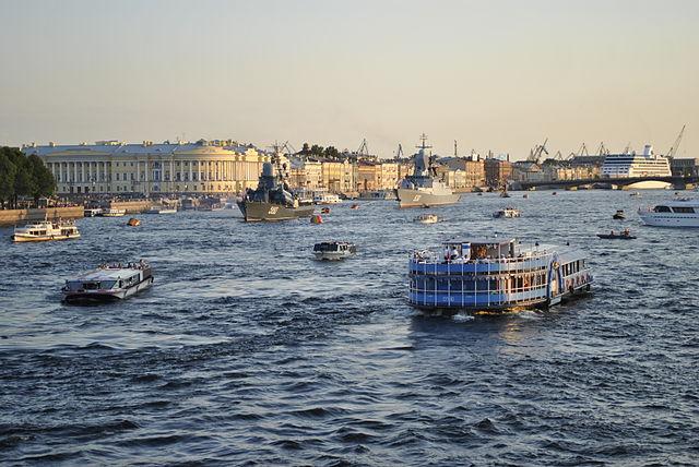 Полтавченко попросил Минтранс неперекрывать реки иканалы Петербурга из-за футбола