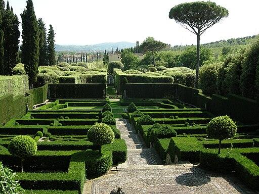 Villa i tat             ti, giardino all'italiana 07