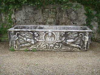 Clipeus - An imago clipeata on a sarcophagus at the Villa la Pietra near Florence