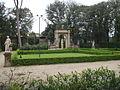Villa la pietra, giardino sud 01.JPG