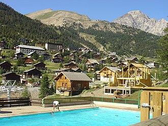 Montgenèvre - A view of the village of Montgenèvre (2003)