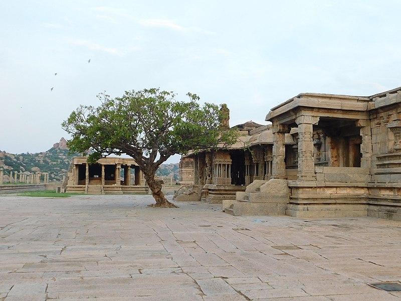 File:Vittala temple complex3.jpg