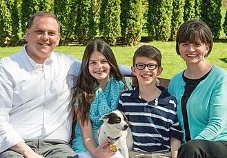 Wade Kapszukiewicz - Wade Kapszukiewicz, his wife Sarah, and his two children Emma and Will.