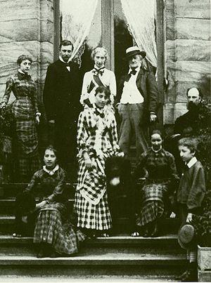 Eva Chamberlain - Wagner family, August 1881: Blandine Gravina, Heinrich von Stein (Siegfried's home teacher), Cosima Wagner, Richard Wagner, painter Paul von Joukowsky; foreground: Isolde Beidler, Daniela von Bülow, Eva, Siegfried Wagner