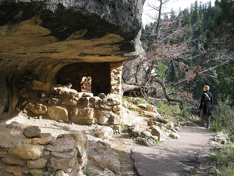 File:Walnut canyon cliff dwellings.jpg