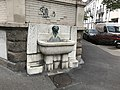 Wandbrunnen mit Broncekopf 02.jpg