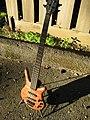 Warwick Thumb Electric Bass NT 2006 (3192057138).jpg