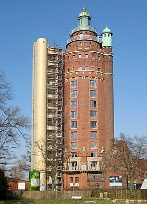 How to get to Wasserturm Charlottenburg with public transit - About the place