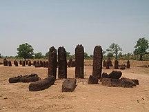 Gambia-Senegambiske stencirkler-Fil:Wassu Stone Cirles shaunamullally 02