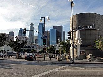 Los Angeles streets, 1-10 - Image: Weller Court LA