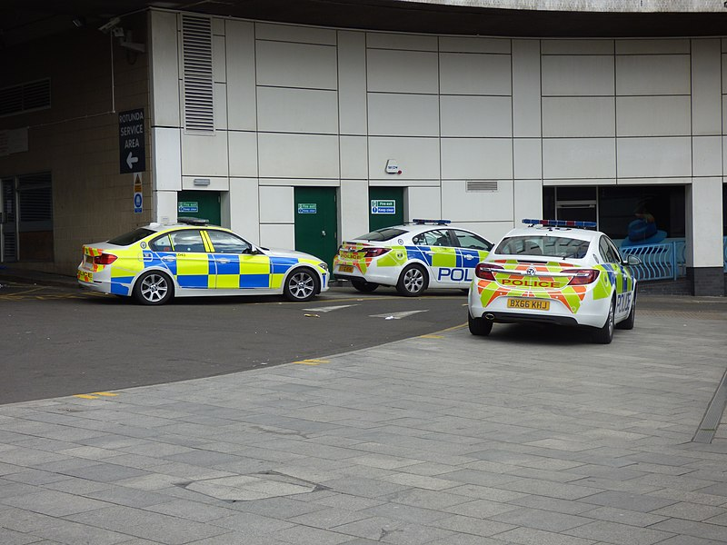 File:West Midlands Police cars near Birmingham New Street Station (34089884271).jpg