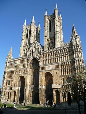 West front - Lincoln Cathedral - geograph.org.uk - 695994.jpg