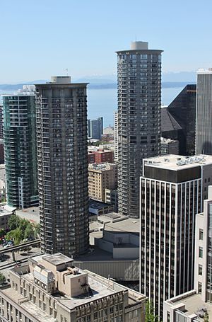 Westin Seattle - Original 1969 tower on the left, taller 1982 tower on the right
