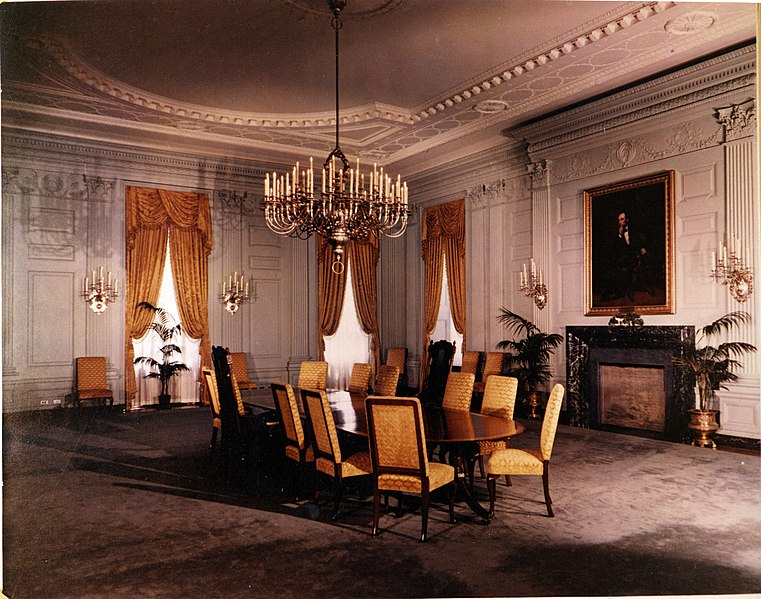 File:White House State Dining Room, 07.15.1952.jpg