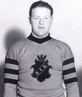 Wilhelm Petersén (ice hockey) ice hockey player