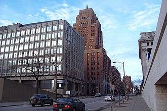 Wisconsin Gas Building - Wisconsin Gas Building