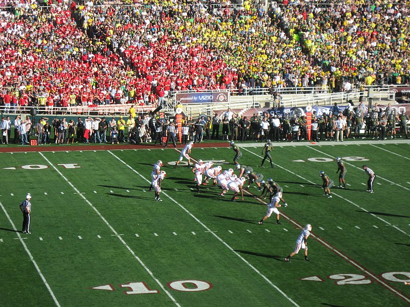 File:Wisconsin offense, 2012 Rose Bowl.JPG