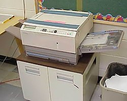 Xerox photocopier in GlenOak High School library 2004.jpg