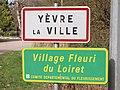 Yèvre-la-Ville-FR-45-panneau d'agglomération-02.jpg