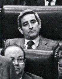 (Cisneros) Leopoldo Calvo Sotelo en el pleno del Congreso de los Diputados (cropped).jpeg