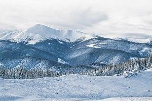 Найвища вершина Карпат-Говерла.jpg