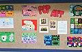 פופ ארט על קיר בבית ספר בתל אביב.jpg