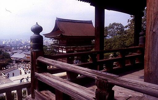 清水の舞台から 「飛び降り」る(清水寺)Img776