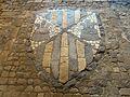 032 Castell de Santa Florentina (Canet de Mar), escut dels Montaner, a l'atri.JPG